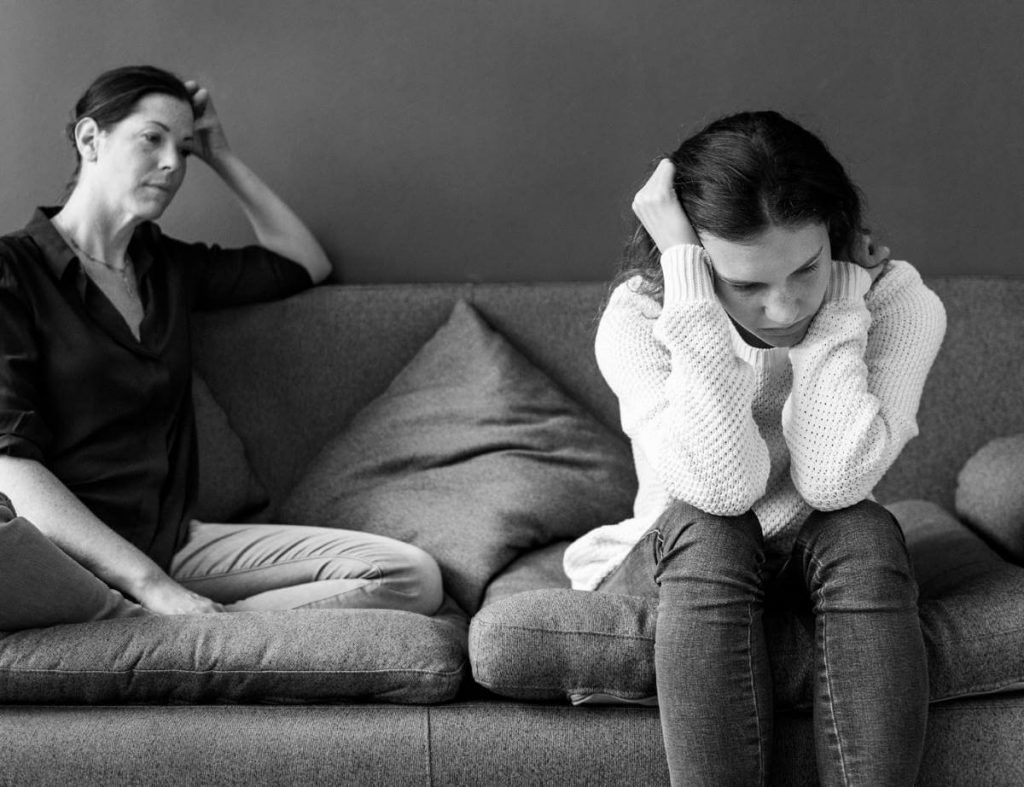 mom-daughter-depressed